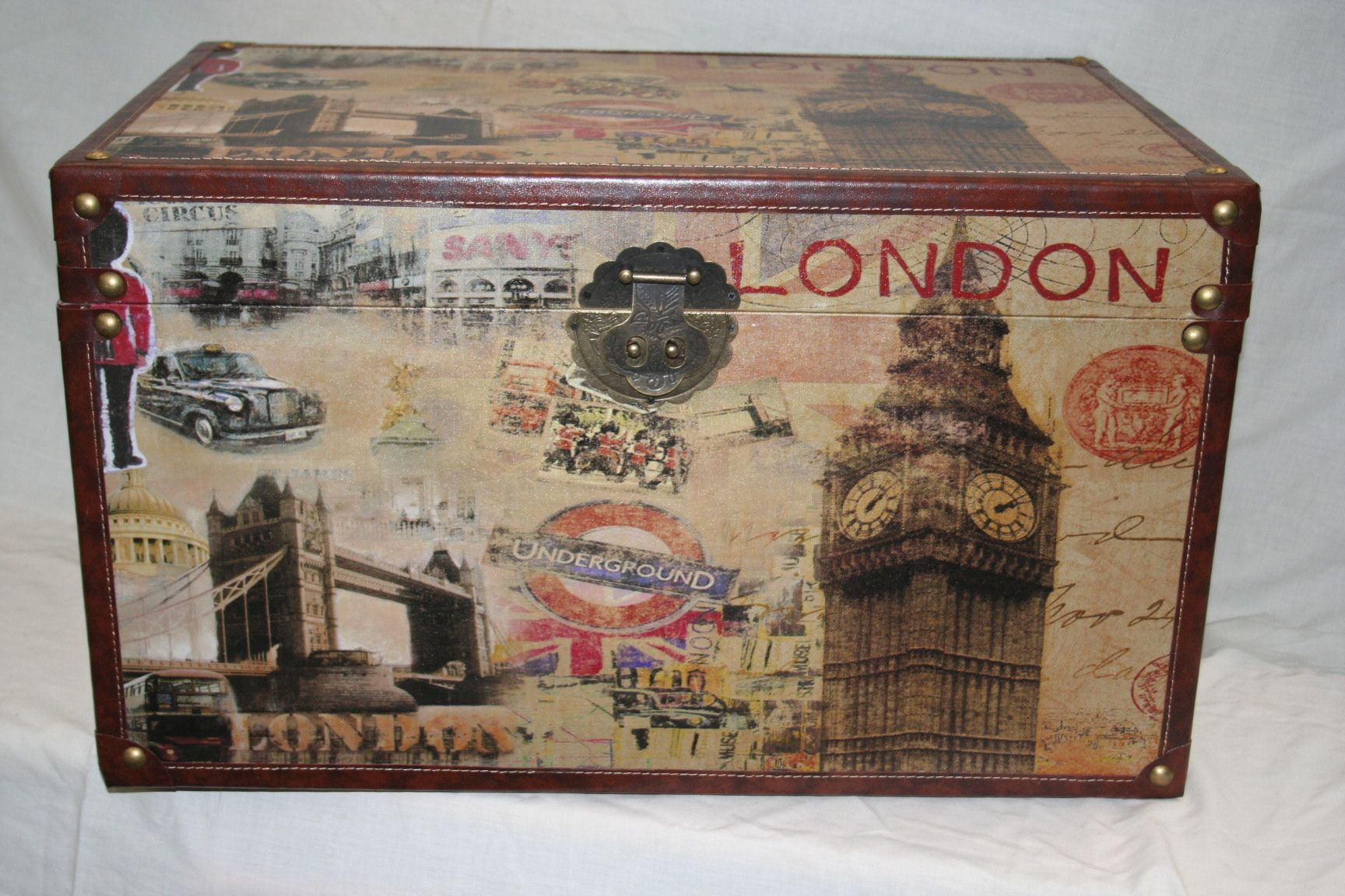 decorative london scene wooden storage trunks 4 sizes available